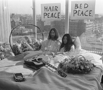 Auftakt: Bed-In (John Lennon/Yoko Ono)