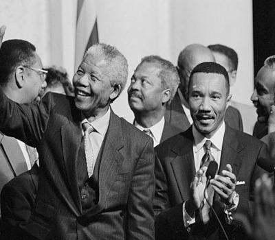 Präsident: Nelson Mandela